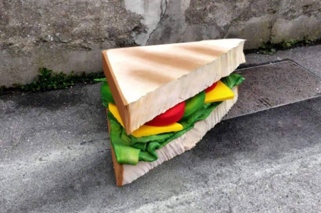 lor-k-french-artist-street-food-discarded-mattresses-designboom-07